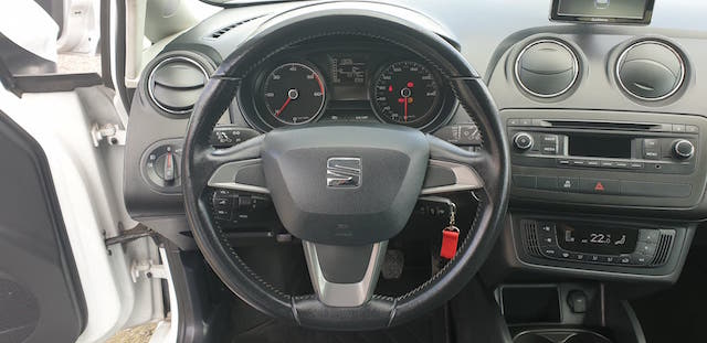 SEAT IBIZA TDI Style Plus Navigation completo