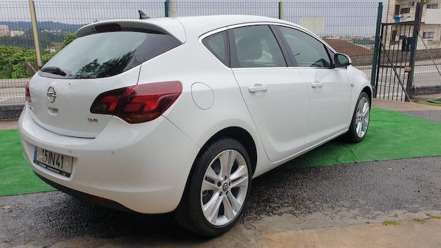 Opel Astra J 1.7 CDTI Cosmo 125cv completo